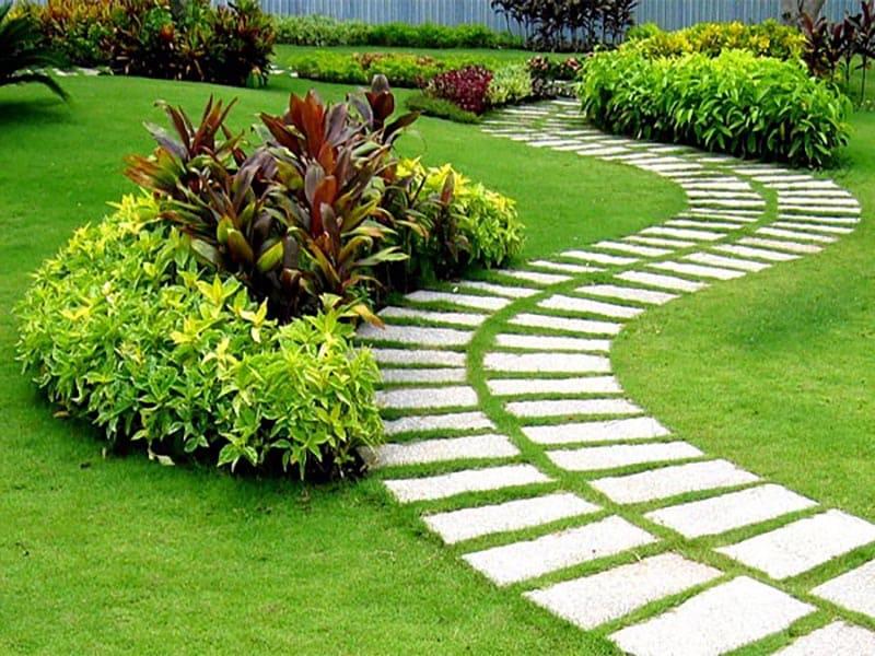 Làm Đường Dạo Trong Sân Vườn