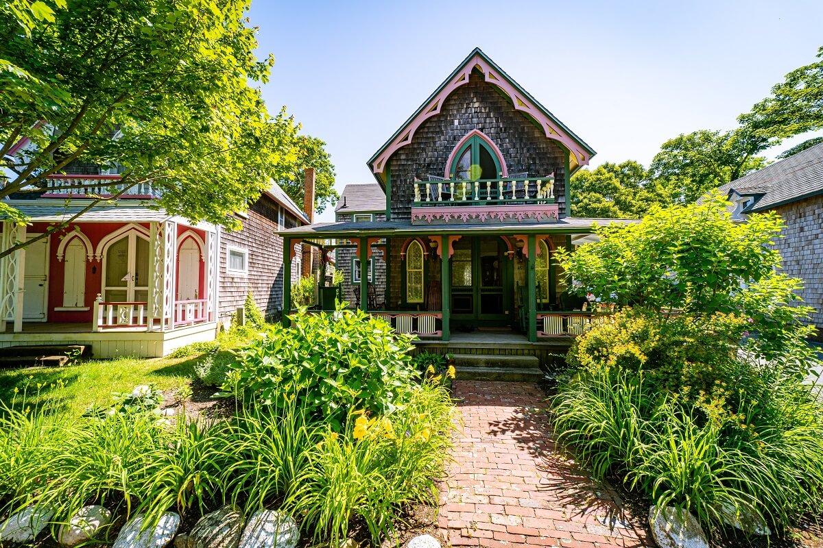 Nhà Mái Thái 2 Tầng Phong Cách Nhà Vườn