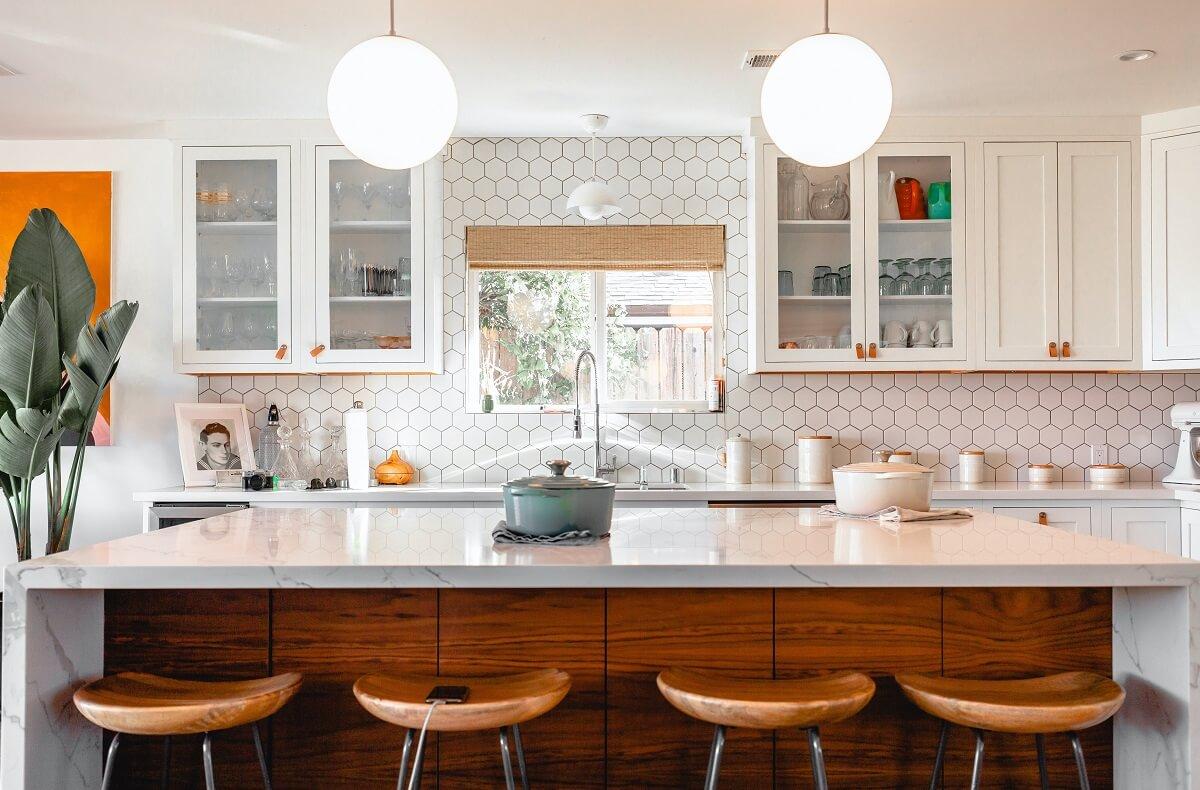 Trang Trí Phòng Bếp Dựa Vào Màu Sắc Của Căn Phòng