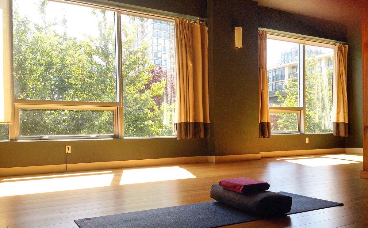 Không Gian Ngồi Thiền Và Yoga Trong Biệt Thự 2 Tầng