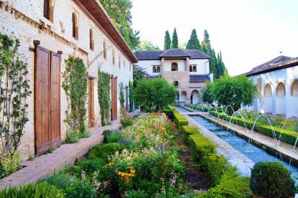 Thiết Kế Biệt Thự Mini Sân Vườn