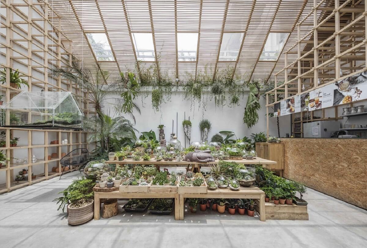 Trang Trí Quán Cafe Ngoài Trời Theo Phong Cách Sân Vườn